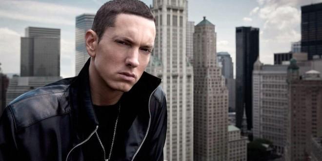 Eminem clash le président U.S en balançant un freestyle aux BET Awards!