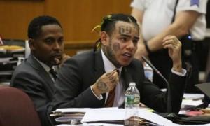 6ix9ine est de nouveau accusé, il pourrait être à l'origine de son enlèvement !